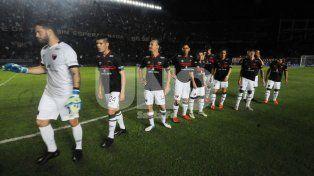 Paolo Montero apostará por la misma formación que viene de vencer a Talleres y aún recibió goles en el presente campeonato.