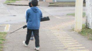 Dos niños paseaban armados por la calle en la ciudad de Rafaela