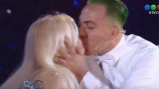 Cristian Castro besó en la boca a Susana