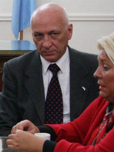 Cambio. Los dirigentes socialistas recordaron que, en 2014, Carrió destacó la figura de Bonfatti.