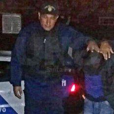 Dos policías heridos, patrulleros dañados y dos delincuentes presos en Alto Verde