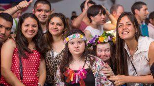 Con un encuentro bailable, jóvenes con discapacidad celebraron la llegada de la primavera