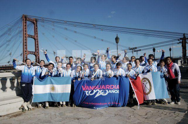 Viaje. Son 24 las patinadoras y una instructora las que representarán a la provincia de Santa Fe.