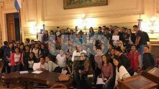 La Constituyentes. Los estudiantes coparon el recinto.