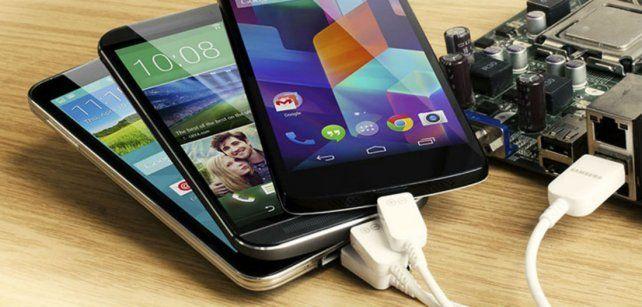 Por qué hay que enchufar el celular cuando tiene el 50 por ciento de batería