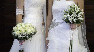 Una pareja de novias en una boda homosexual (Manuel Faba Ortega / Getty Images/iStockphoto)