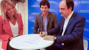 José Corral firmó el convenio específico para la realización de obras en Barranquitas por $ 122 millones con el secretario de Interior