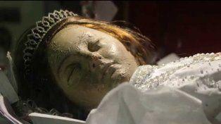 Polémica por el video del cadáver de una niña mexicana que parece haber despertado