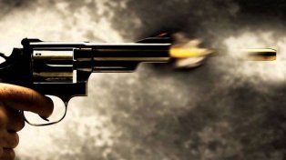 Mataron de un balazo a una joven en Córdoba y demoraron a su pareja, un policía de Santa Fe