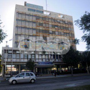 Deteriorado. En forma parcial, el edificio está ocupado por las oficinas provinciales de API.