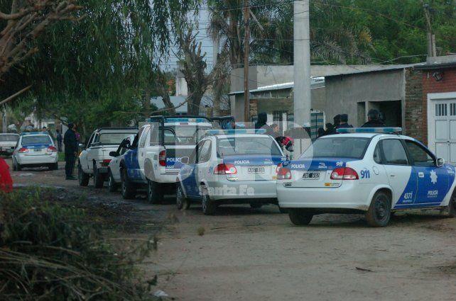 Movilizados. El operativo policial incluyó recursos humanos y materiales disponibles.