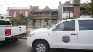 Operativo. La casa allanada por los efectivos de la Agencia de Trata de Personas.