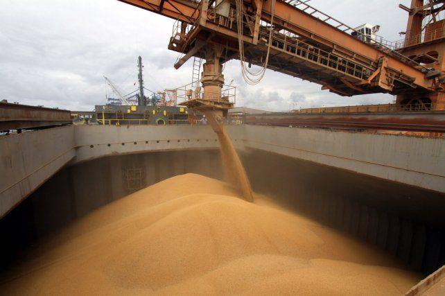 Puertos. Estiman que por las terminales de Santa Fe se exporta el 80% de la producción sojera.