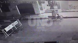 Robaron un comedor en barrio Sur y todo quedó registrado por una cámara de seguridad