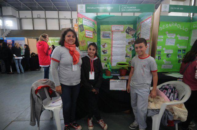 Plantas carnívoras. Los alumnos de 7º grado buscaron información y clasificaron tres tipos de plantas de ese tipo.