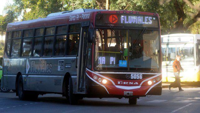 Reforzarán el servicio Santa Fe Paraná por la Fiesta de Disfraces