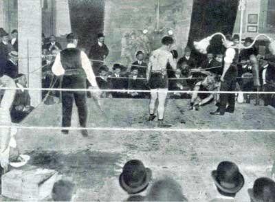 En la sede de la revista El Gladiador (Avenida de Mayo 1139