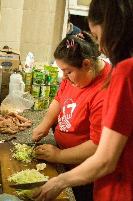 Acción. La agrupación se sostiene gracias al esfuerzo solidario de muchos voluntarios y por el aporte de comerciantes y particulares.