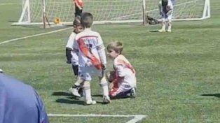El gesto entre jugadores del fútbol infantil cordobés que se volvió viral