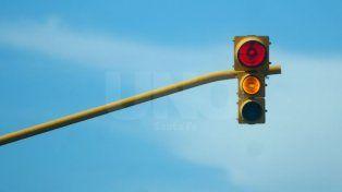Comenzaron a funcionar dos nuevos semáforos en Avenida Freyre