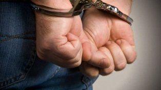 Abusó de hija, hijastra, gallinas y el perro: 3 años de prisión