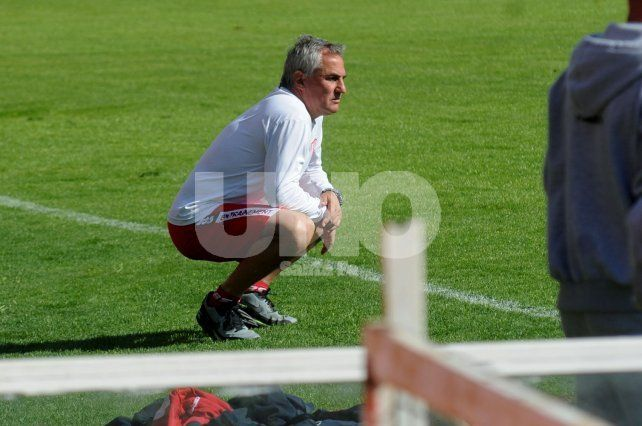Madelón aguarda por la recuperación de Leonardo Sánchez para definir el equipo que recibirá a Quilmes.