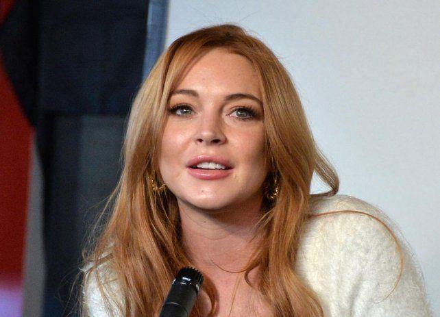 Lindsay Lohan revolucionó las redes con un infartante topless