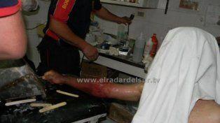 Un preso debió ser asistido por los bomberos al quedar atorado en un mingitorio