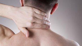 La mejor forma de eliminar las manchas del cuello, las axilas y los codos