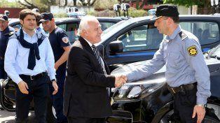 Lifschitz entregó nuevas camionetas a la Unidad Regional I de Policía de Santa Fe