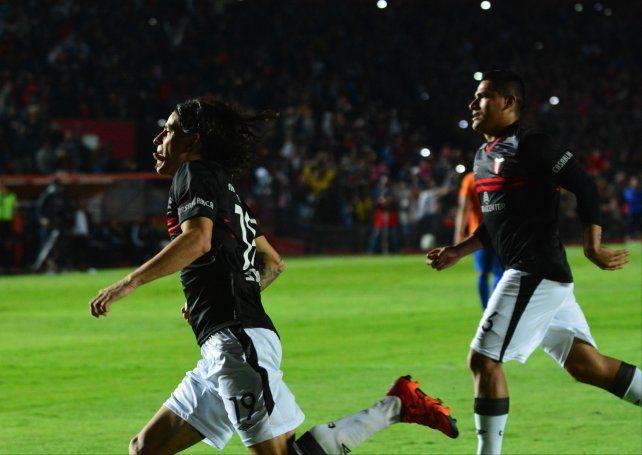 Sungui Blanco anotó dos de los cinco goles que marcó el Sabalero.