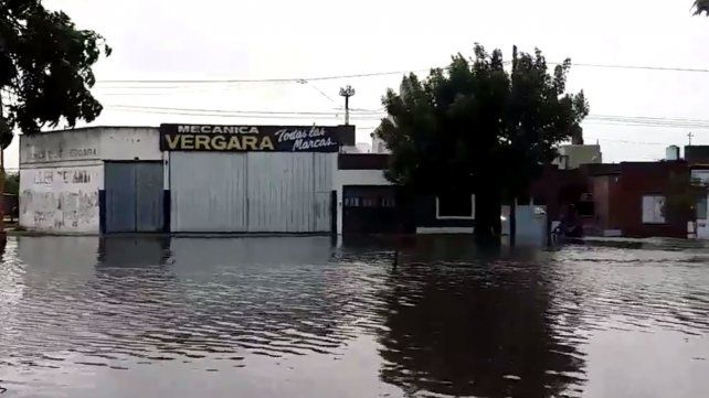 La lluvia provocó complicaciones en Santa Fe: cayeron 75 milímetros en el centro de la ciudad