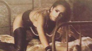 Victoria Vanucci hizo saltar la térmica en las redes con fotos en topless y junto a cadáveres