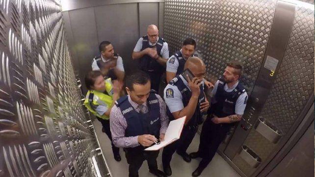 Los policías de Nueva Zelanda que ponen a bailar al mundo