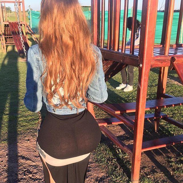 El descuido súper hot de Charlotte Caniggia en una hamaca