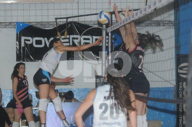 En acción durante la final que se disputó el domingo ante Universitario de Córdoba