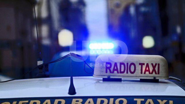 Un delincuente se hizo pasar por pasajero y asaltó a un taxista en barrio Los Hornos