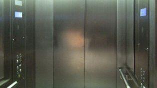 Un hombre murió aplastado en el ascensor de su edificio