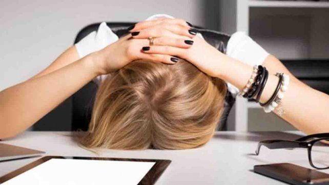 Tres trucos que te pueden ayudar a vencer el cansancio durante el día