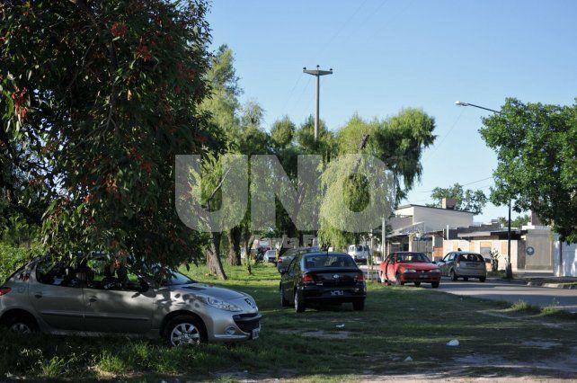 El Pozo: El barrio está saturado y no hay lugares para estacionar