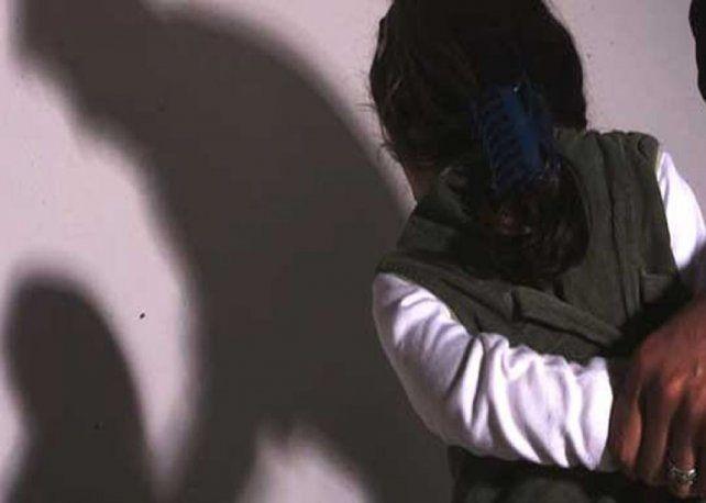 Detuvieron a un hombre acusado de abusar a su hija durante más de 10 años