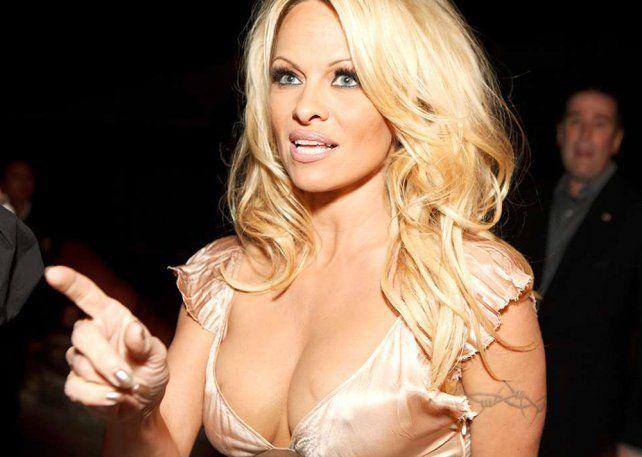 Pamela Anderson contó detalles íntimos en una entrevista en televisión