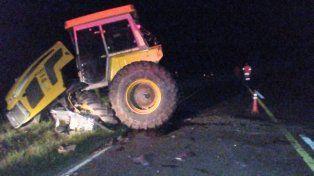 Impresionante accidente entre un camión y un tractor sobre la ruta provincial Nº1