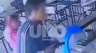 Filmados. El 9 de octubre la pareja asaltó una heladería y el robo quedó registrado en las cámaras.