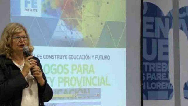 Claudia Balagué había anunciado la cita con los sindicatos del magisterio para agosto pasado