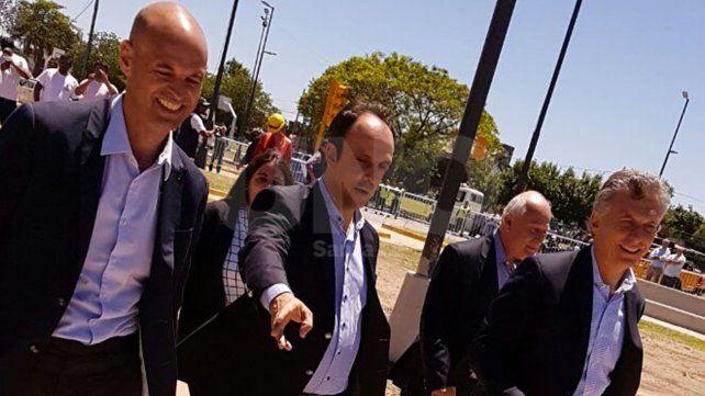 Mauricio Macri pasó por la ciudad de Santa Fe y recorrió las obras del Metrofé