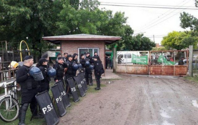 Ataque e intimidación a empleados municipales de Roldán