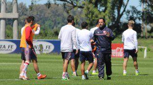Juampi Pumpido comenzará a ordenar los primeros movimientos pensando en el partido del lunes en Tucumán.