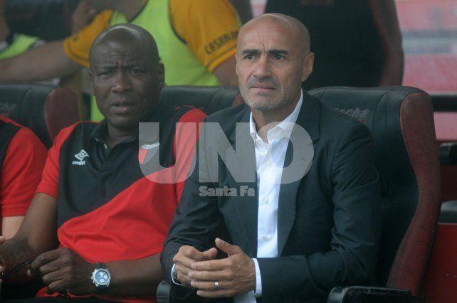 El entrenador rojinegro siempre le dio confianza a sus jugadores y tocó lo menos posible en cada cotejo.