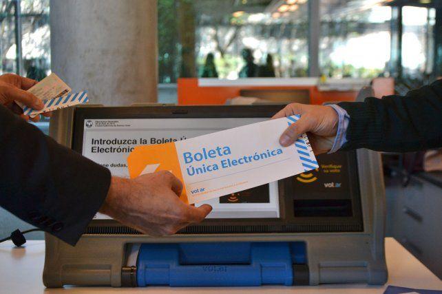 Voto electrónico: senadores santafesinos piden un tratamiento sin apuros